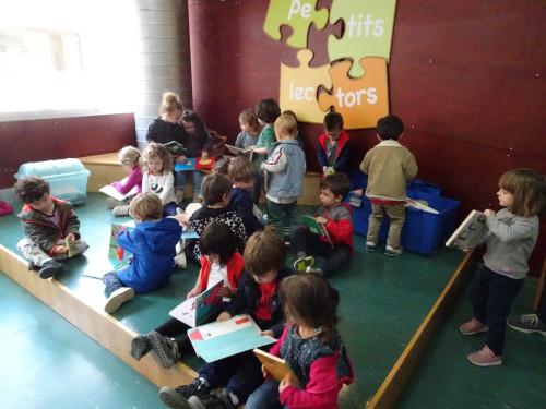 Visita a la Biblioteca Sofia Barat